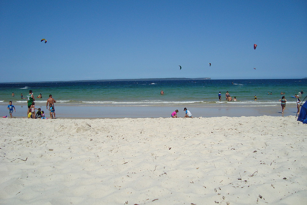 excellent-beached-close-to-the-camp-jervis-bay-australia