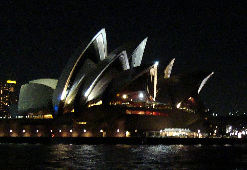 sydney-opera-house-from-the-manly-ferry-sydney-australia
